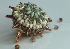Silke's Beaded Design: Justyna / Eridhan Creations Sea Urchin by Justyna with 2 sides