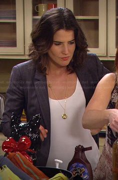Robin's grey pintstripe blazer on How I Met Your Mother Robin Scherbatsky, What Should I Wear Today, Cool Outfits, Fashion Outfits, How I Met Your Mother, Open Back Dresses, I Meet You, Nordstrom Dresses, Hair Cuts