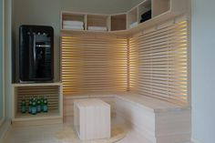 Pukuhuone, penkki Dressing Room, Blinds, Sweet Home, Home Appliances, Curtains, Saunas, Home Decor, Cube, Basement