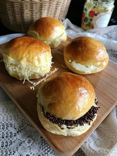 Cooking with Sheila Gondowijoyo Roti Bread, Bread Bun, Bread Rolls, Sweets Recipes, Cooking Recipes, Healthy Recipes, Bread Recipes, Recipes Dinner, Cooking Time