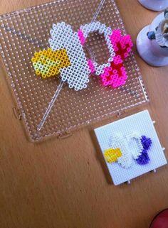 Hama Beads Design, Diy Perler Beads, Perler Bead Art, Fuse Bead Patterns, Perler Patterns, Beading Patterns, Hama Mini, Pearl Beads Pattern, Peler Beads