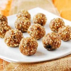Pumpkin Spice Protein Balls - VEGAN, just 4 ingredients!
