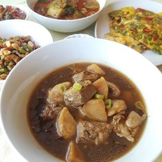 A pork rib potato soup, Masak Oh.  #masakoh #kuahoh #kuahmasako #baba #babanyonya #peranakan #peranakanfood #malaysianfood #nyonyafood #nyonya #nyonyacuisine #nyonyacooking #nyonyarecipe #malaysia #malaysianfood #straitschinese #malacca #melaka #singapore #heritage #heritagefood #history #peranakanculture #chinesenewyear #lunarnewyear #babanyonyaperanakans Peranakan Food, Nyonya Food, Malaysian Food, Pork Ribs, Potato Soup, Singapore, Potatoes, Beef, History