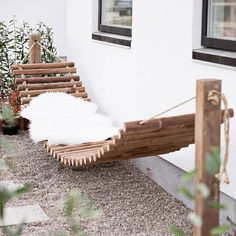 Fantastic DIY swing ideas for a real dream area in summer - creative-garden-design-with-diy-swing-and-cool-craft-idea-for-hammock-from-logs - Backyard Hammock, Backyard Patio, Backyard Landscaping, Hammocks, Patio Hammock Ideas, Outdoor Hammock Bed, Outdoor Hanging Bed, Outdoor Beds, Hanging Chairs