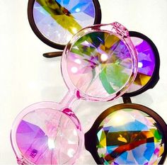 H0les eyewear prismatic glasses