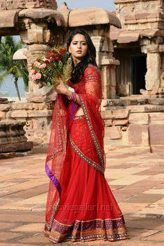 Indian Bubbly Actress Anushka Shetty Photos In Red Dress Beautiful Girl Indian, Beautiful Saree, Anushka Latest Photos, Anushka Photos, Actress Anushka, Indian Beauty Saree, Indian Sarees, Half Saree, Indian Celebrities