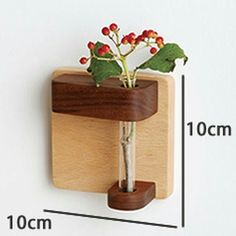Discover thousands of images about Special tube vase wrapped and hanged on a solid oak cube. Small Wood Projects, Woodworking Projects For Kids, Wooden Vase, Wooden Planters, Wood Scraps, Plant Shelves, Pallet Crafts, Vases, Wood Art