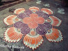 Free Hand Rangoli Design, Rangoli Designs With Dots, Beautiful Rangoli Designs, Kolam Designs, Mehandi Designs, Latest Rangoli, Padi Kolam, Floor Art, Summer Crafts