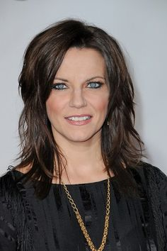 Martina McBride-Long Layered Hairstyles for Women Over 40 l www.sophisticatedallure.com