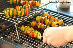 Spiedini di verdure alla griglia | La casa del coniglio bianco Antipasto, Ratatouille, Watermelon, Carrots, Plates, Fruit, Vegetables, Ethnic Recipes, Food
