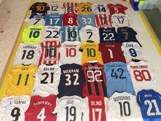 Obrońca Barcelony pochwalił się swoją kolekcją koszulek • Gerard Pique pokazał koszulki najlepszych piłkarzy na świecie • Zobacz >> #football #soccer #sports #pilkanozna