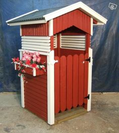 Roskakatos voi olla myös tyylikäs Can Storage, Wood Storage, Garden Structures, Outdoor Structures, Dream Garden, Home And Garden, Curb Appeal, Pergola, Shed