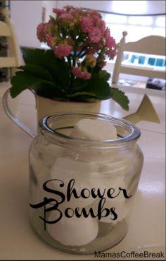 Shower Bombs, Diy Shower, Coffee Break, Baking Soda, Mason Jars, Diy Crafts, Mugs, Tableware, Beauty