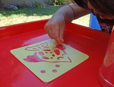Use colored sand and stencils to create beautiful ocean-themed sand paintings. Sand Painting, Colored Sand, Beautiful Ocean, Let's Create, Curiosity, Fun Projects, Stencils, Paintings, Gifts