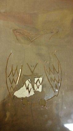 Pöllökalvo kuvan painoon ilman silmiä. Silmät tulee sillä leimasimella.
