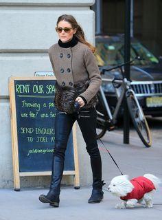 Olivia Palermo: look paseando a su perro por NY con botas Report