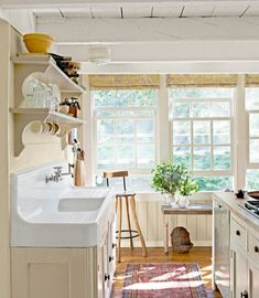 Lovely kitchen and sink in porcelain ;o)