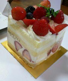 Yummy yummy.... Yummy Yummy, Cheesecake, Strawberry, Drinks, Desserts, Food, Drinking, Beverages, Meal