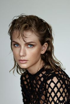 Taylor Swift in Marc Jacobs Resort 2015 via Wonderland