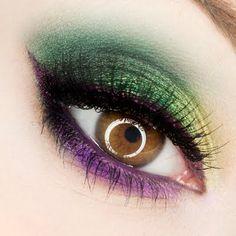 Makeup Ideas 2018 - Mardi Gras eye make up for Hazel Eyes - Poison Berry. Makeup Geek, Makeup Tips, Beauty Makeup, Hair Makeup, Makeup Ideas, Prom Makeup, Flawless Makeup, Green Makeup, Love Makeup