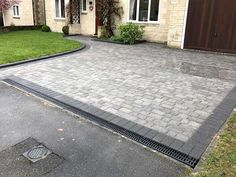 driveway landscaping New Brett Block Paved Driveway and Lawn using Brett Regatta paving in Silver Haze and the drivestyle kerb units in charcoal. Front Garden Ideas Driveway, Modern Driveway, Driveway Design, Driveway Entrance, Driveway Landscaping, Front Yard Design, House Entrance, Main Entrance, Walkway