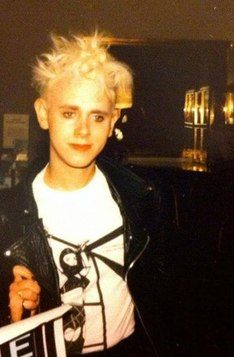 Westward Bound's second T.Shirt design from the mid worn by Martin Gore of Depeche Mode. Designed by Genesis P-Orridge of Throbbing Gristle / Psychic TV. Mr Martin, Martin Gore, Band Pictures, New Pictures, Famous Songwriters, Types Of Portrait, Dark Men, Gothic Rock, Nikki Sixx