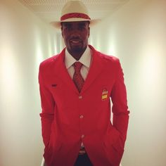 Who said men were the only ones to catch a woodie in the am? Gorgeous Eyes, Beautiful Men, Serge Ibaka, Olympics Opening Ceremony, Smart Men, Nba Stars, Red Suit, Gentleman Style, Swagg