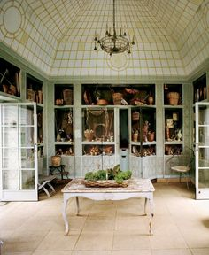 Bunny Mellon's greenhouse, trompe l'oeil murals in the entry @thedailybasics ♥♥♥