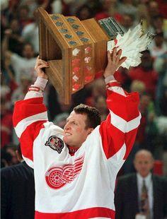 1997 | @Detroit Red Wings goalie Mike Vernon.