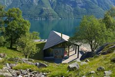 Gapahuk by Snøhetta, Gapahuk by Rindalshytter, Rindalshytter cabins, Snøhetta and Rindalshytter, adaptable cabin design, locally sourced materials for cabin architecture, Norway prefabricated cabin