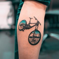 "2,444 Me gusta, 29 comentarios - Tattoos & Art Photos (@evgenymel) en Instagram: ""Накатались в этом сезоне? )) #mtb #bike #landscape #mountains #tattoo #tattooconvention…"""