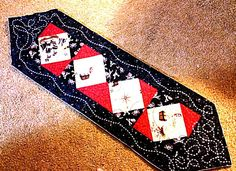 Pirate ship table runner: Made by Clair Fraser. For those pirates out there that like a little fanciful fun at there tables. http://www.sirensfare.com