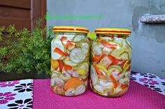 Kolorowa sałatka z cukinii Mason Jars, Salads, Salad, Chopped Salads, Mason Jar, Glass Jars, Jars