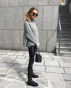 Look Tricot + Legging - outfits - Biker Boots Outfit, Leather Leggings Outfit, Legging Outfits, Military Boots Outfit, Biker Boots Style, Black Boots Outfit, Dress Boots, Mode Outfits, Casual Outfits
