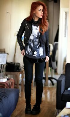 A Really simple outfit. Jacket, printed tee and skinny jeans/leggins! Like it <3