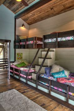 Rustic Kids' Bedrooms with Creative, Cozy Elegance --- Cool rustic bedroom with bunk beds and steps