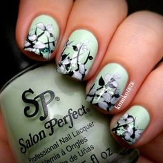 mint-green-nails-with-design-10