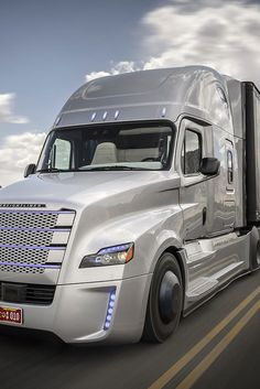 Here Comes A Self-Driving 18-Wheeler Truck