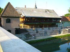 Gyula Great Plains, Homeland, Hungary, Southern, Cabin, House Styles, Travel, Home Decor, Viajes