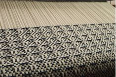 Waffle weave on rigid heddle loom by Kelly Casanova. Tablet Weaving, Weaving Art, Loom Weaving, Hand Weaving, Weaving Designs, Weaving Projects, Weaving Patterns, Cricket Loom, Pick Up Sticks