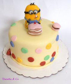 Little Minion Minion Cake