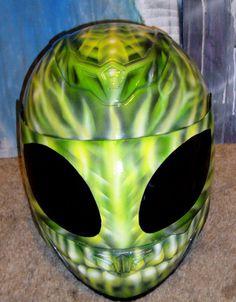 Full Face mask helmet designed to match custom motorcycle
