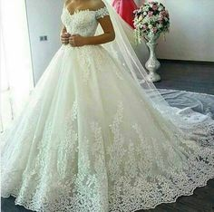 Classic Ball Gown Sexy Off Shoulder Sleeves Lace Wedding Dress