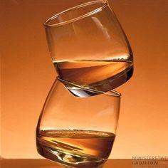 Kiwające się Szklanki do Whisky. Dobry alkohol potrzebuje odpowiedniej oprawy!