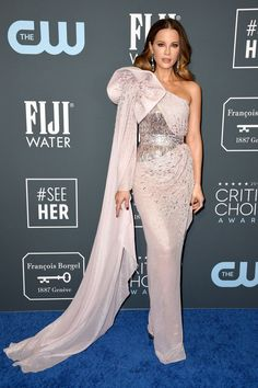 Critics Choice Awards January 2020 Critic Choice Awards, Critics Choice, Strapless Dress Formal, Prom Dresses, Formal Dresses, Kate Beckinsale Pictures, Actresses, Model, Beautiful