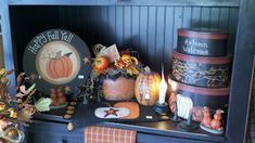 C & C Furnishings: August 2011 Primitive Homes, Primitive Fall, Country Primitive, Fall Store Displays, Harvest Decorations, Table Decorations, Berry Garland, Autumn Display, Happy Fall Y'all