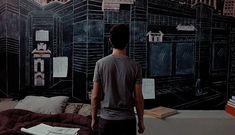 Cinema e arquitetura são duas artes que contam histórias de maneira visual. Confira uma lista com 10 produções audiovisuais imperdíveis para arquitetos.
