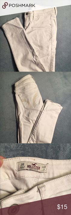 *EARLY SPRING CLEANING* Hollister Low Rise Jeans Low rise super skinny size 3R. Creasing due to sitting in my closet but can easily be fixed with an iron! Stain free and ready to go Hollister Pants Skinny