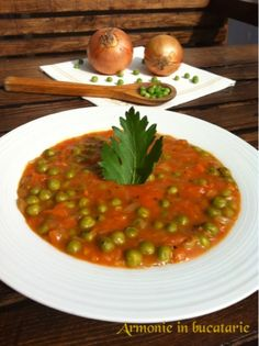 ARMONIE IN BUCATARIE: Mazăre verde cu sos de bulion Vegetarian Recipes, Cooking Recipes, Romanian Food, Chana Masala, Risotto, Food And Drink, Ethnic Recipes, Green, Chef Recipes