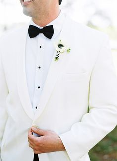 white dinner jacket   we ❤ this!  moncheribridals.com  #groomsuits